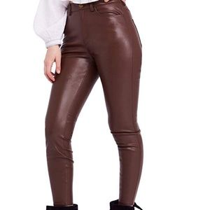 Faux Leather High waisted skinny-leg pants